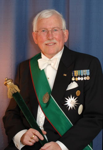 Ralf T Holmlin